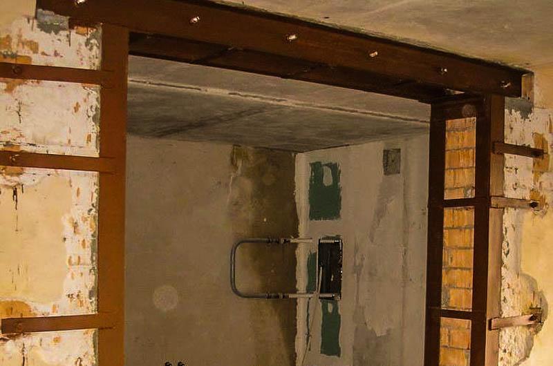 усиление проема в несущей стене швеллером